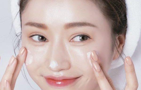 Kem dưỡng da mặt, kem khóa ẩm bạn nên thử qua